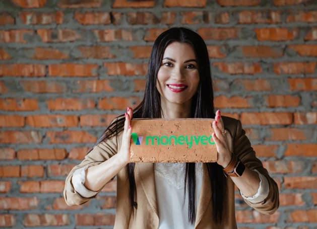 Алена Андроникова, Moneyveo