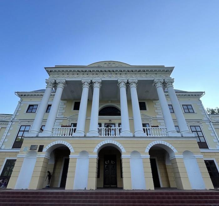 Дворец Грохольських-Можайских
